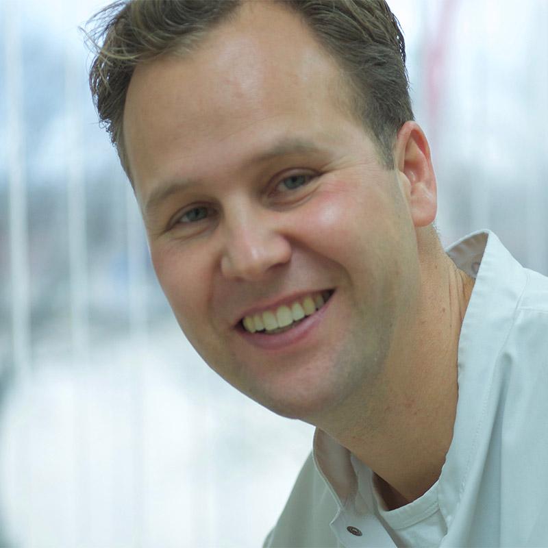 dr. H.H. van der Zee