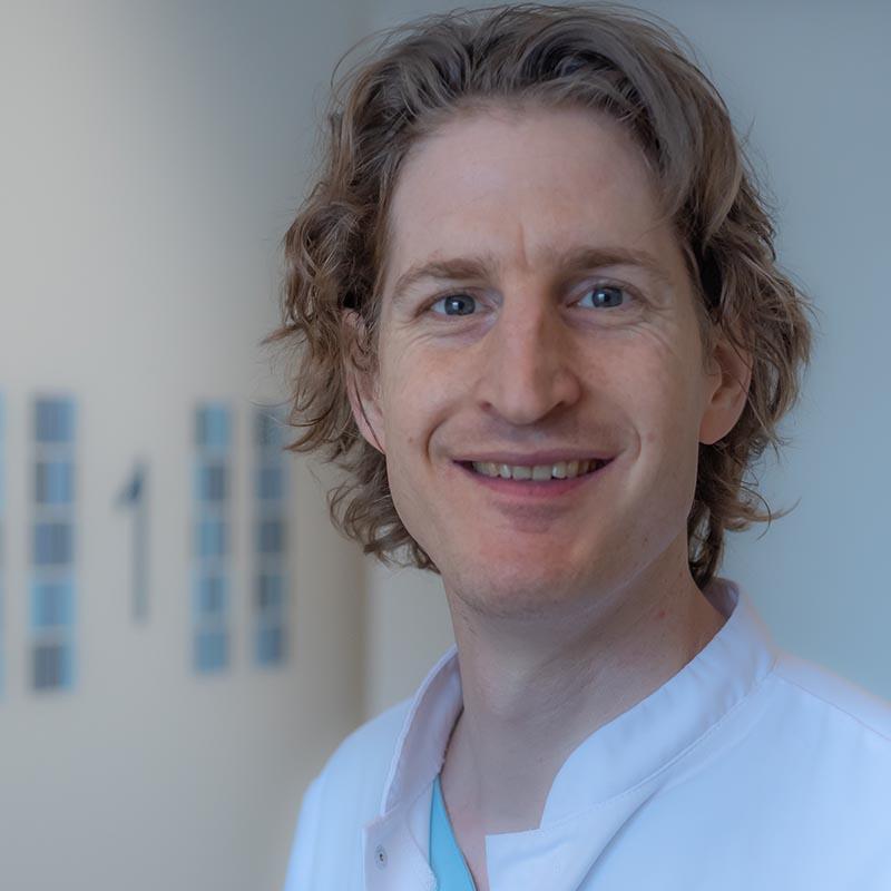 dr. R. Nellen